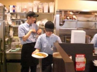 """お仕事は難しくありません。""""接客力""""が身に付くココイチバイト カレーハウスCoCo壱番屋 八王子松木店"""