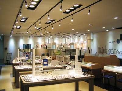 メガネパリミキ 若松本店のアルバイト情報
