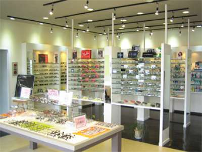 メガネ・サングラスの店内販売・簡単なPC入力のお仕事です! メガネパリミキ 若松本店