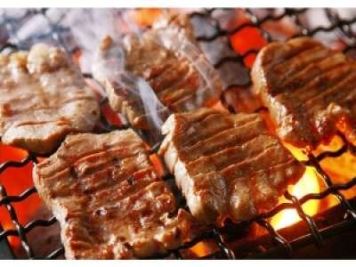 熟成肉とカキの焼き小屋バルのアルバイト情報