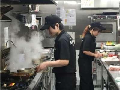 バリ風カフェレストラン ベビーフェイスプラネッツのアルバイト情報
