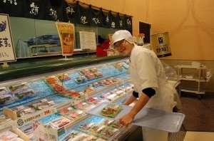 魚の鮮度の見分け方、種類などの知識も身に付きます☆