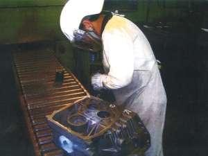 自動車工場内での中子・仕上作業!人気のお仕事です!