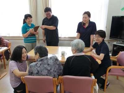 無資格・未経験も可☆介護職員実務者研修などの資格取得サポートも充実!の求人画像_2