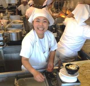 丸亀製麺 滝川店の求人画像